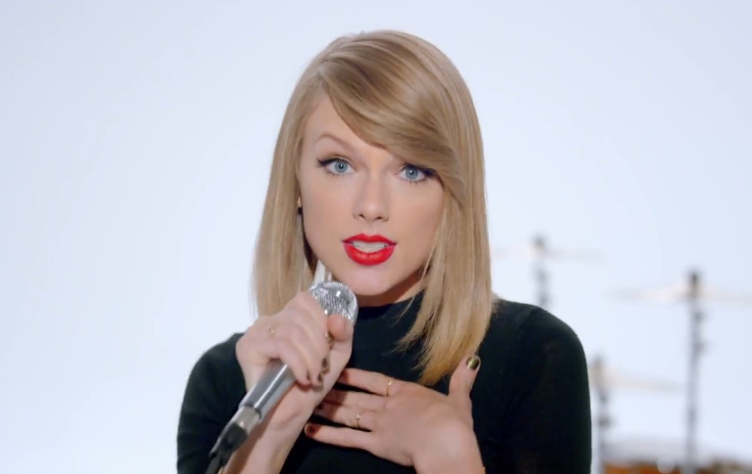 """Taylor Swift's New """"Shake it Off"""" Song is Ridiculously Catchy"""