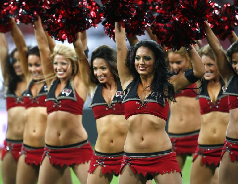 how much NFL Cheerleaders are paid