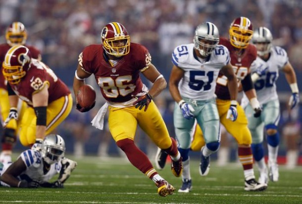 hi-res-185352045-jordan-reed-of-the-washington-redskins-carries-the-ball_crop_north