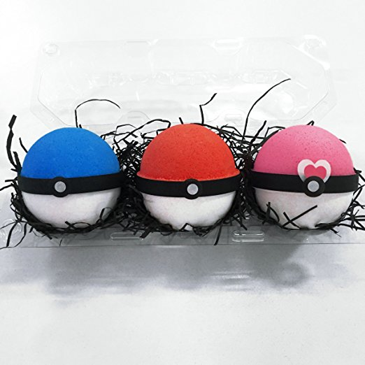 pokeball-surprise-bath-bomb